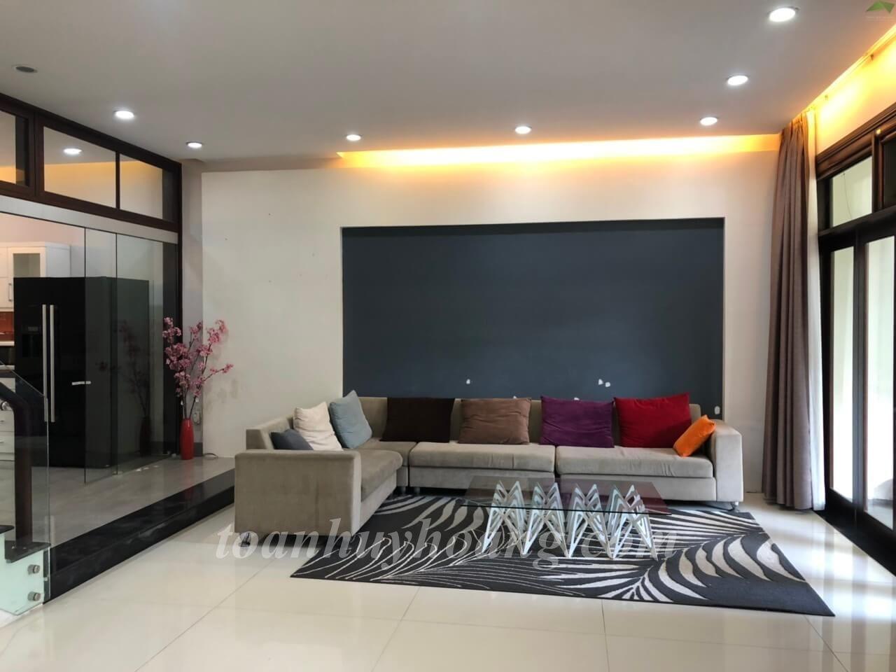Spacious Villa Da Nang
